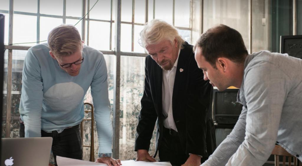 Physee met Richard Branson (c) Physee